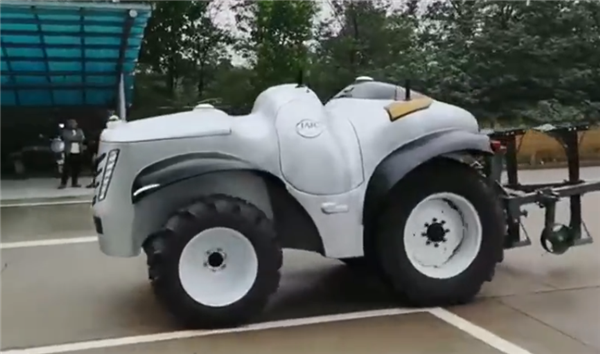 China's first unmanned tractor equipped with 5G and hydrogen fuel cells released-cnTechPost