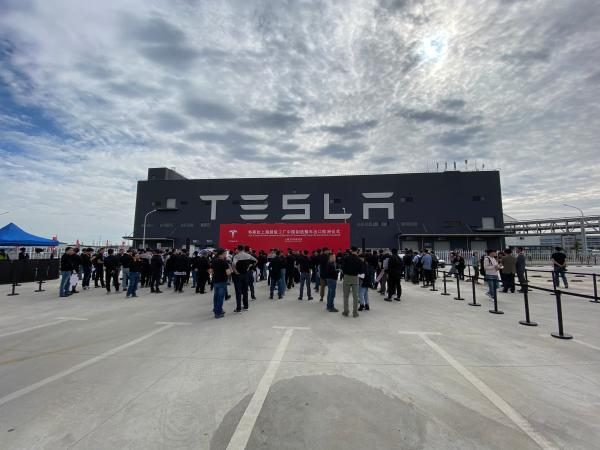 About 7,000 China-made Model 3s to be shipped from Shanghai to Europe on Tuesday-CnTechPost