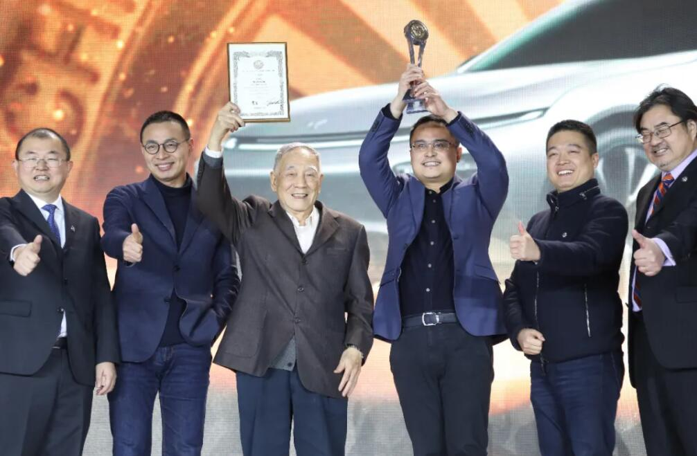 XPeng P7 named 'Car of the Year' in Chinese auto industry's 'Oscar' awards-CnTechPost