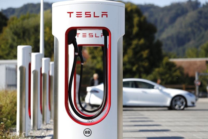Tesla exec says won't rule out opening up Tesla's charging stations to other car brands-CnTechPost
